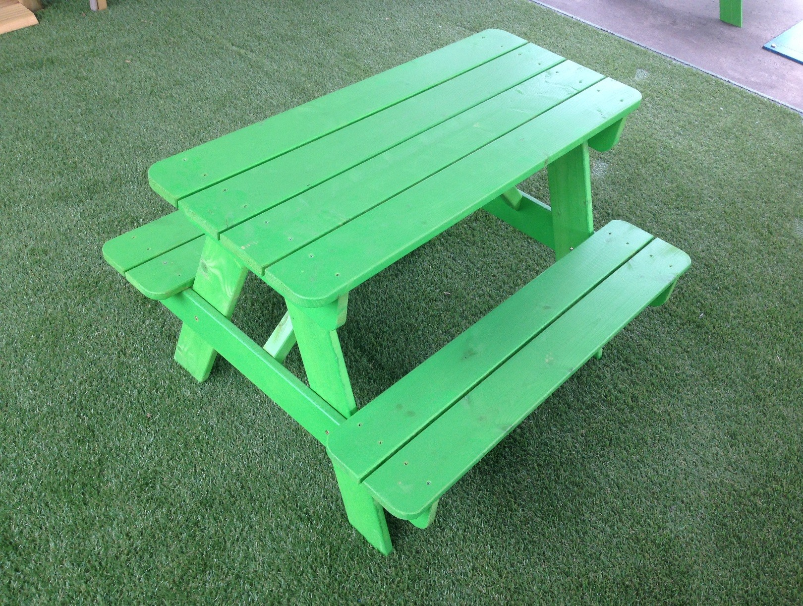 Childs Picnic Table green