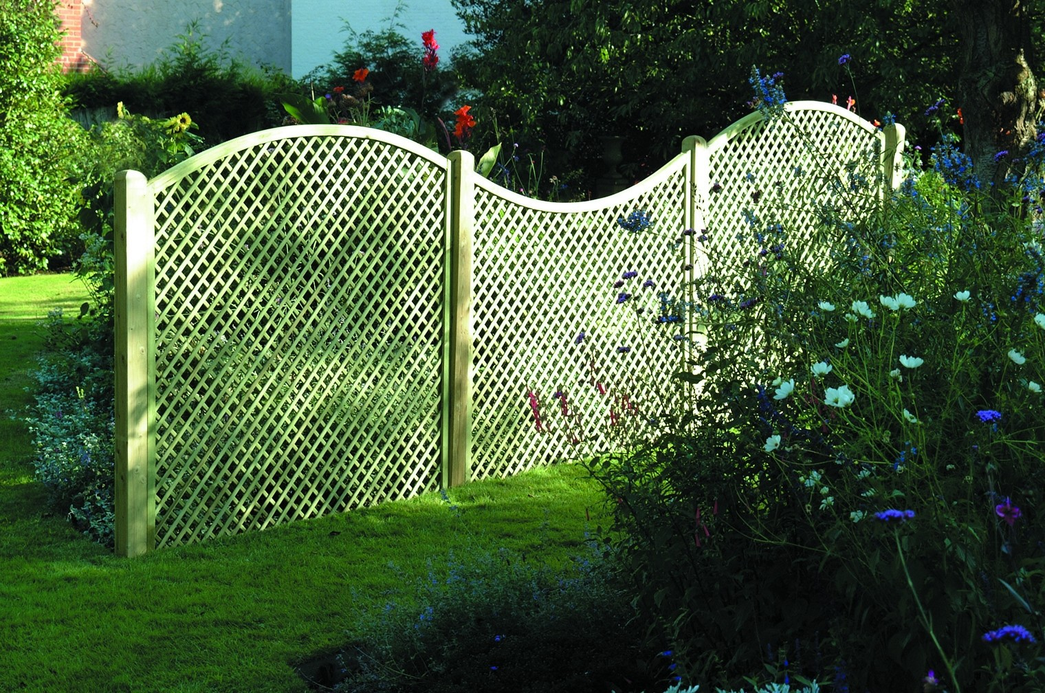 Concave And Convex Lattice Fencign Hillsborough Fencing