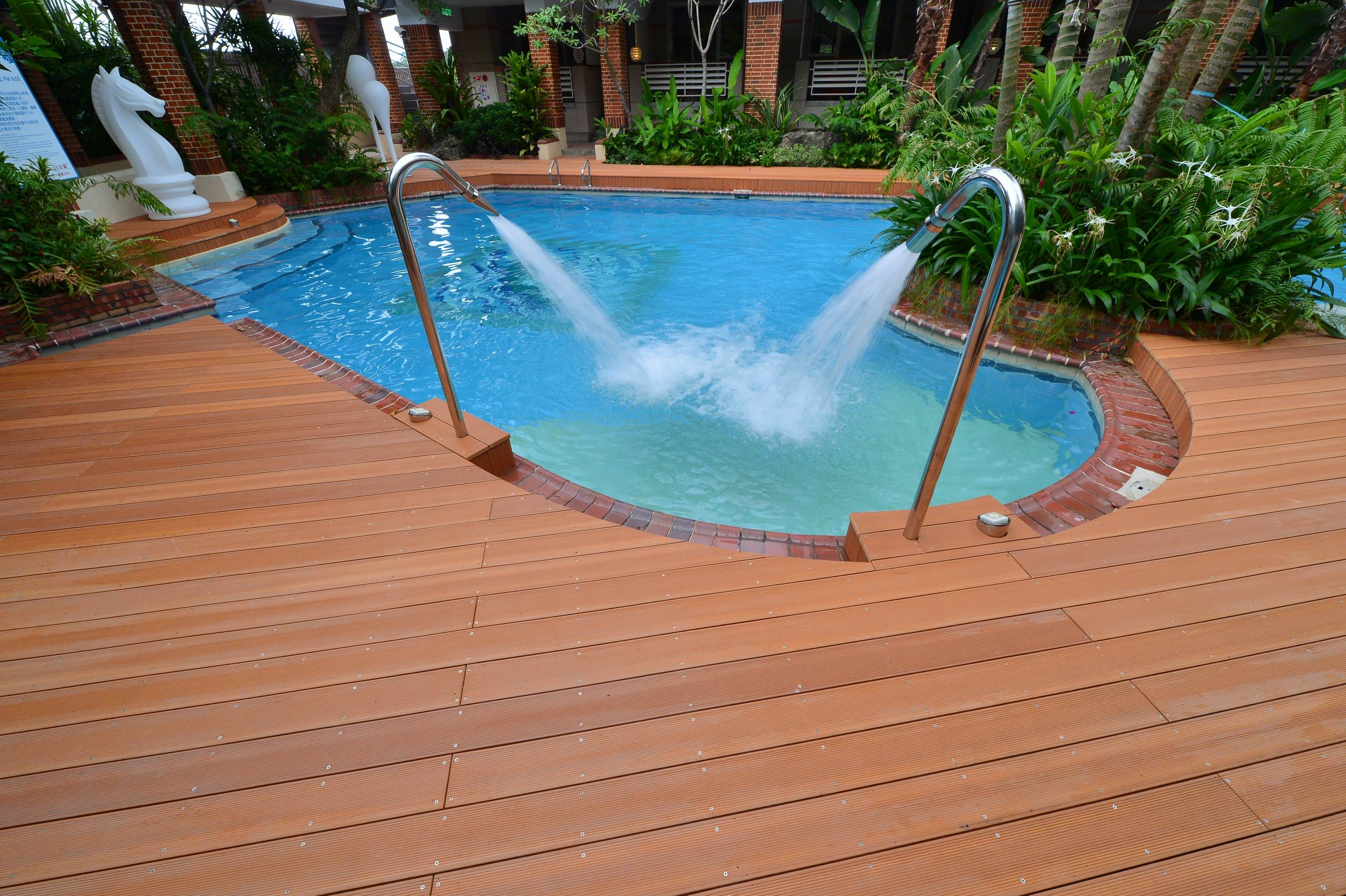 Water Feature on Decked Swimming Pool